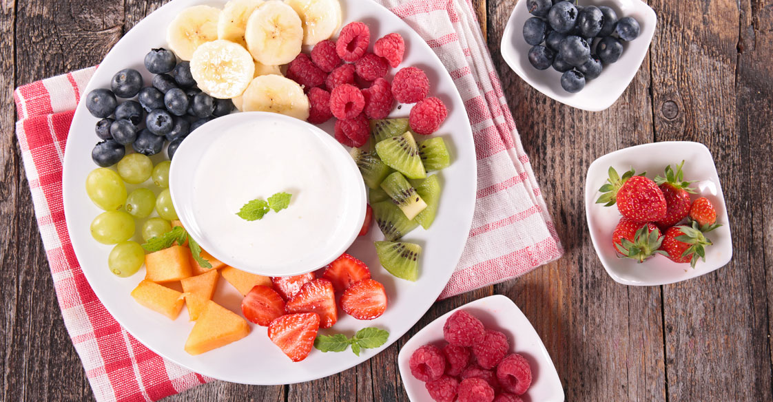 Recipe for Fresh Fruit Salad with a Honey Dip